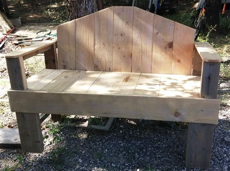 Diy Rustic Bench From Fence Planks