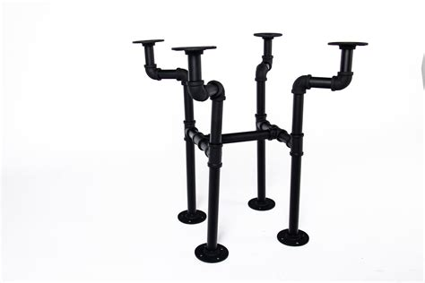 Diy Rustic Coffee Table With Pipe Legs