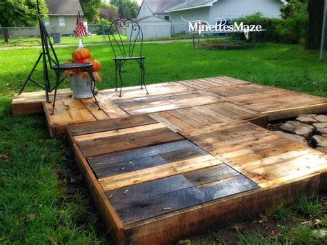 Diy Small Deck Using Pallets