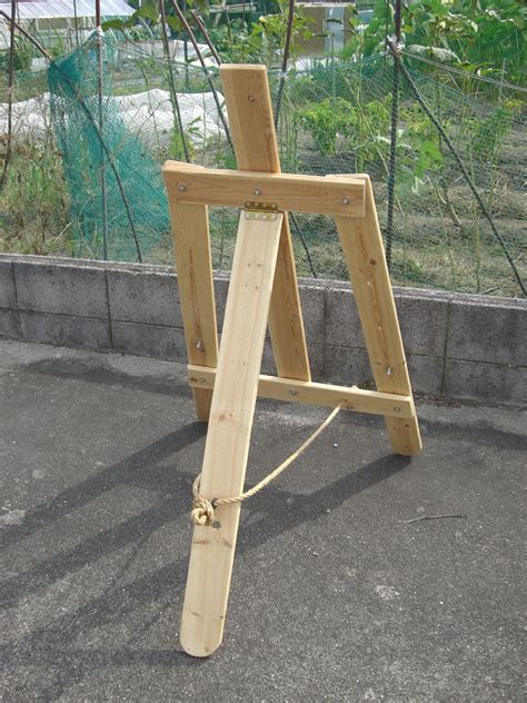 Diy Small Easel Stand