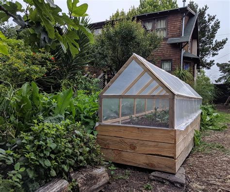 Diy Small Greenhouse Plans With Raised Beds