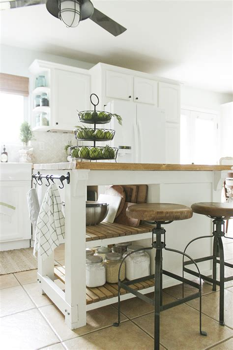 Diy Small Kitchen Island With Trash Storage