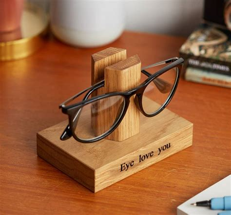 Diy Spectacle Stand