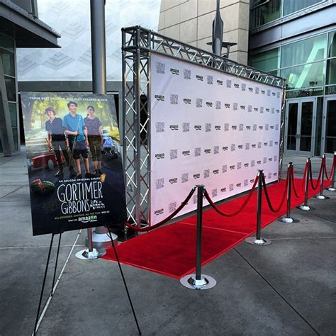 Diy Step And Repeat Stand
