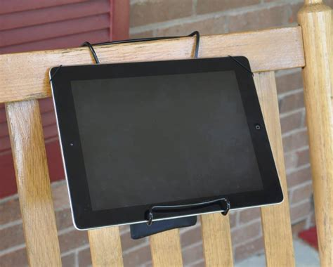 Diy Tablet Stand From Clothes Hanger