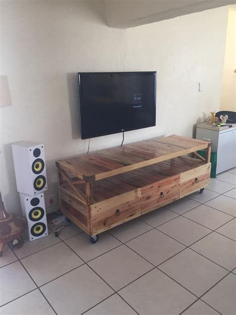 Diy Tv Stand Using Pallets