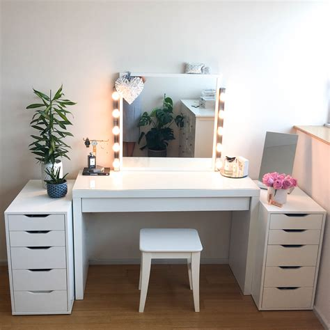 Diy Vanity Table And Mirror