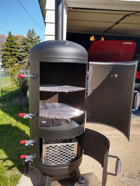 Diy Vertical Smoker Out Of A Tank Pictures
