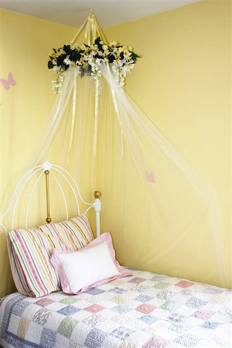 Diy Wall Canopy Over Little Girls Bed