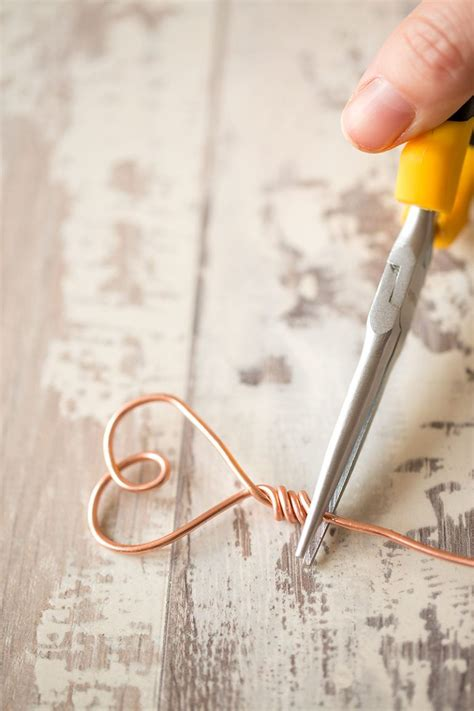 Diy Wire Photo Stands