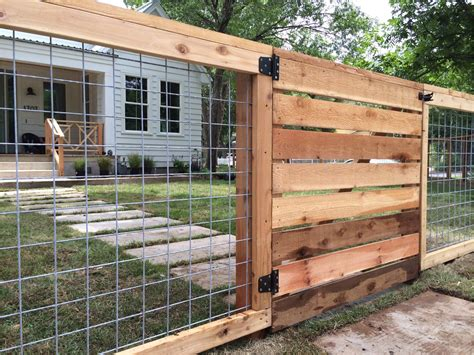 Diy Wood And Hog Wire Fence