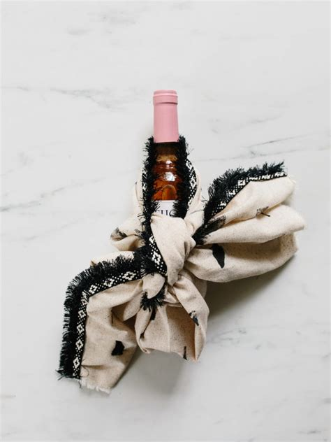 Diy Wood Glue Fabric And A Wine Bottle