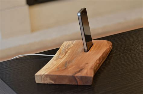 Diy Wood Iphone 6 Stand