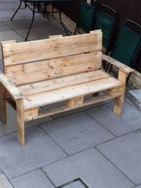 Diy Wood Pallet Bench With Cushion