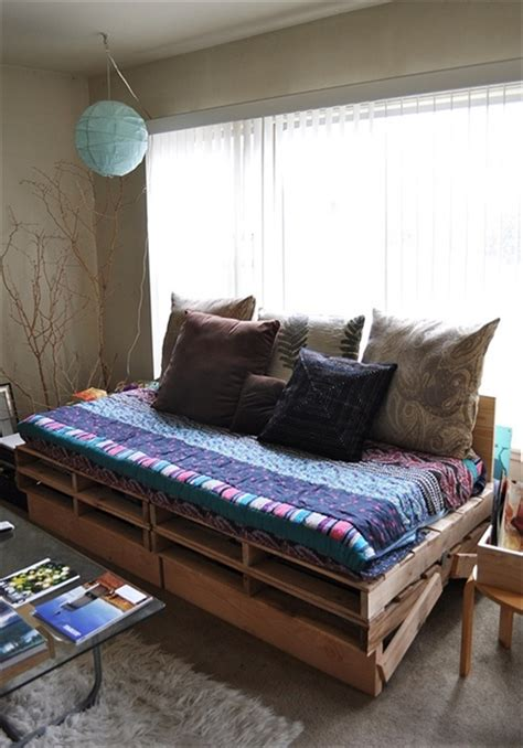 Diy Wood Pallet Daybed Ideas