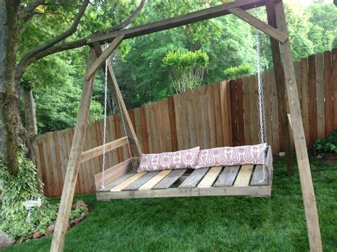 Diy Wood Pallet Daybed Swing
