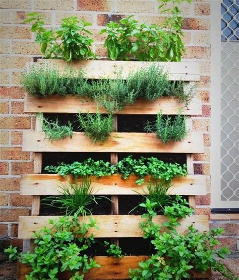 Diy Wood Pallet Herb Garden
