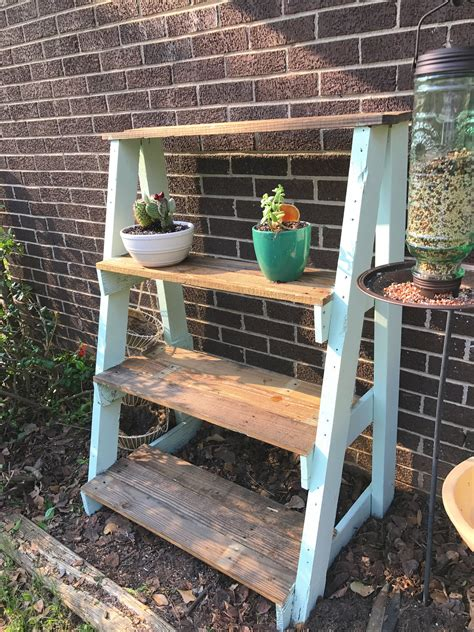 Diy Wood Pallet Plant Shelf