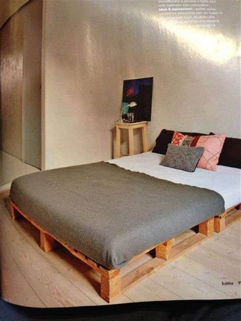 Diy Wood Pallets Bed