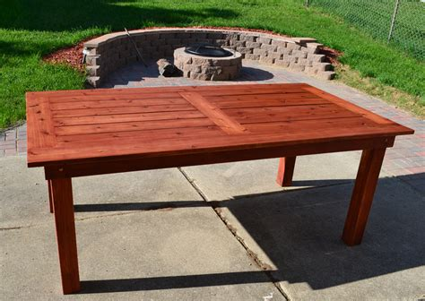 Diy Wood Patio Table With White Legs