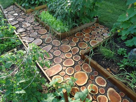 Diy Wood Slab Garden Pathways