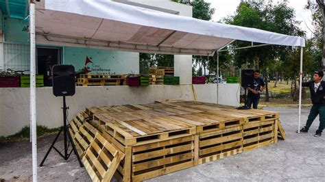 Diy Wood Stage