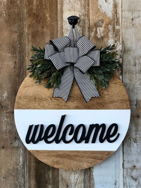 Diy Wood Welcome Post With Hanger