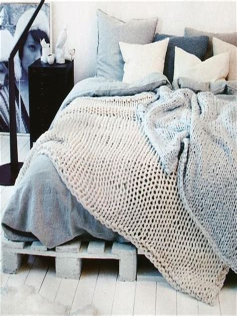 Diy-20-Pallet-Bed-Frame-Ideas