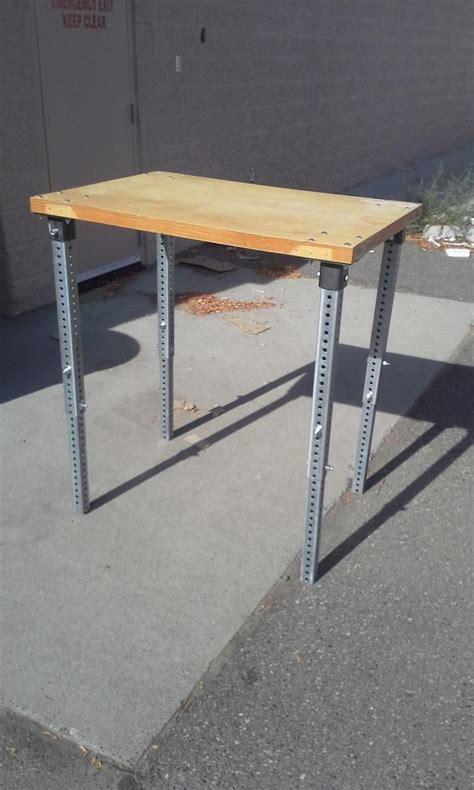 Diy-Adjustable-Height-Desk-Legs