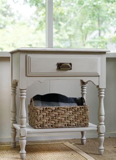 Diy-Aging-Dust-For-Furniture