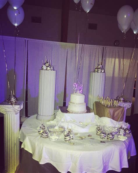 Diy-All-White-Party-Decorations