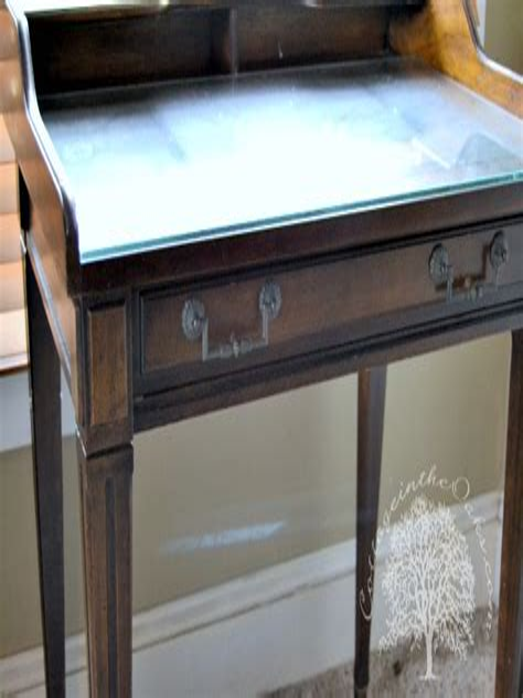 Diy-Antique-Writing-Desk