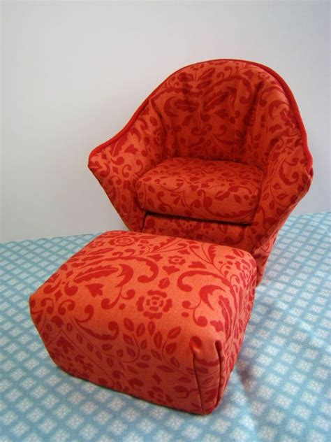 Diy-Arm-Chair-For-Barbie