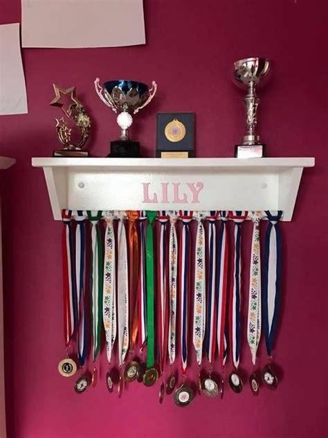 Diy-Awards-Shelf