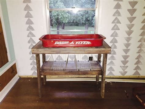 Diy-Baby-Changing-Table-Made-From-Wagon