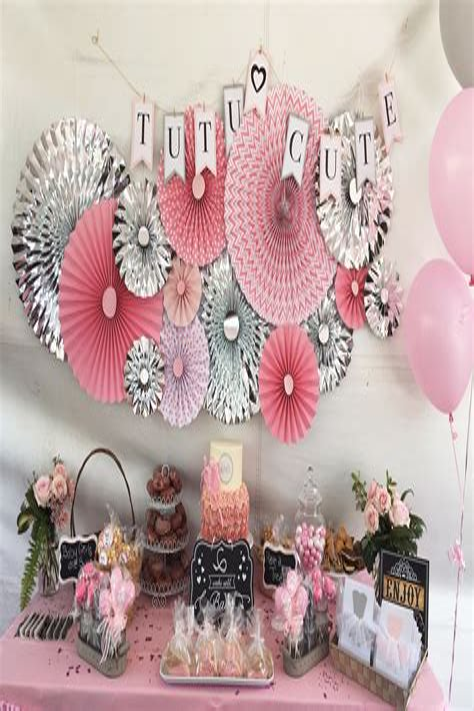 Diy-Baby-Shower-Cake-Table