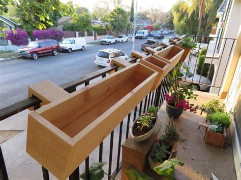 Diy-Balcony-Planter-Box