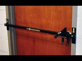 Diy-Baracuda-Door-Lock