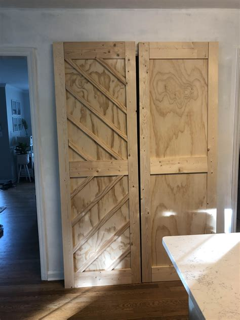 Diy-Barn-Door-For-Pantry