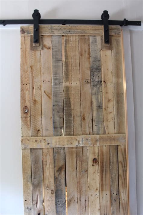 Diy-Barn-Door-From-Pallets