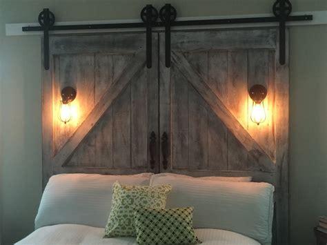 Diy-Barn-Door-Head-Board