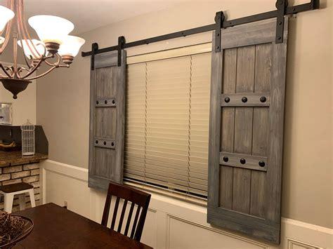 Diy-Barn-Door-Look-Interior-Shutters