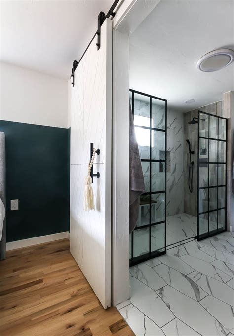 Diy-Barn-Yard-Door