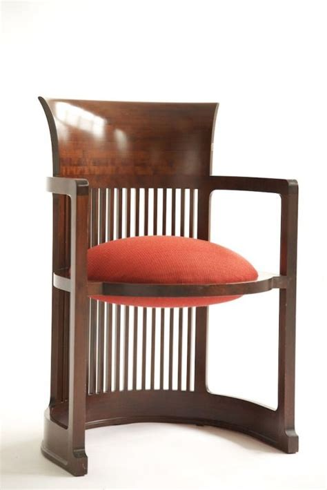 Diy-Barrel-Arm-Chair-Frank-Lloyd-Wright