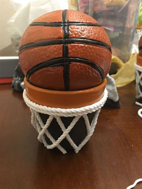 Diy-Basketball-Table-Decorations