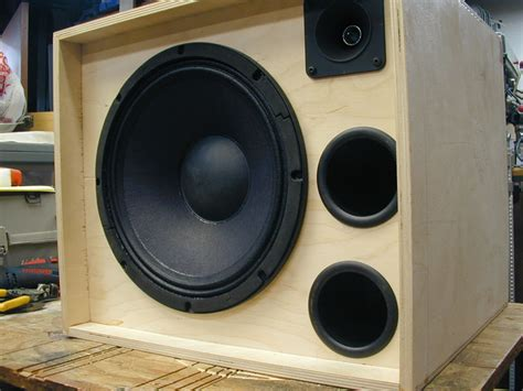 Diy-Bass-Guitar-Cabinet-Port