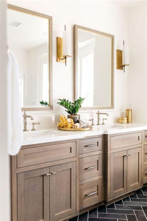 Diy-Bathroom-Cabinet-Finishes