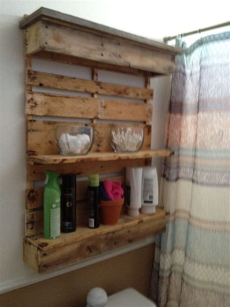 Diy-Bathroom-Pallet-Wall-Shelf