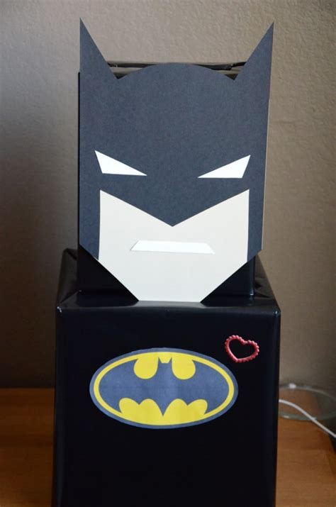Diy-Batman-Valentine-Box