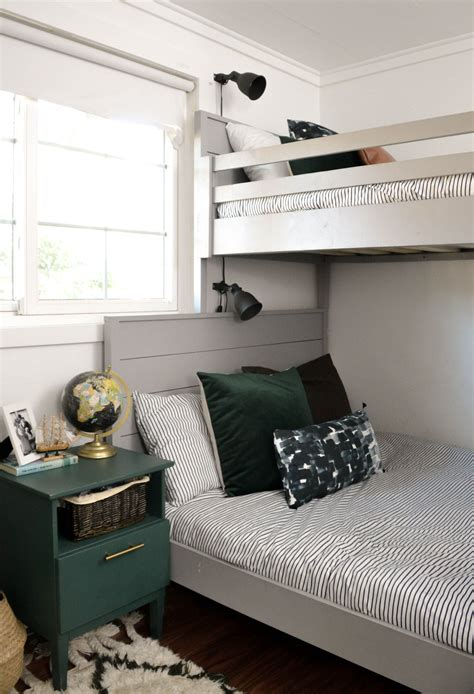 Diy-Bedroom-Furniture-For-Small-Rooms